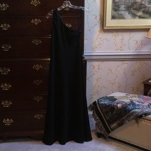 One shoulder classic chic floor length ww09